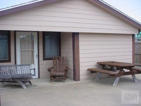 943 Palmetto Dr, Crystal Beach, TX 77650