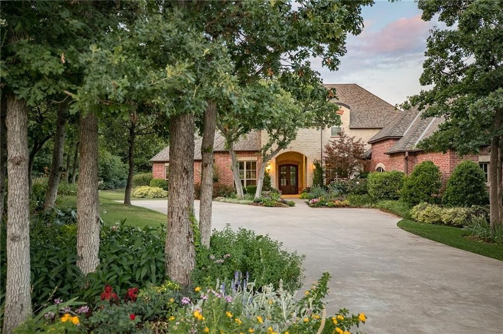 1400 Hidden Lake Dr, Edmond, OK 73034