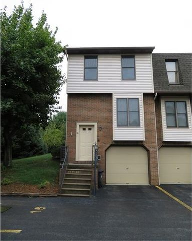 104 Ableview Dr Apt 16, Center Township But, PA 16001