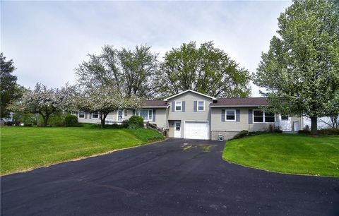 Photo of 479 Middle Rd, Caledonia, NY 14423