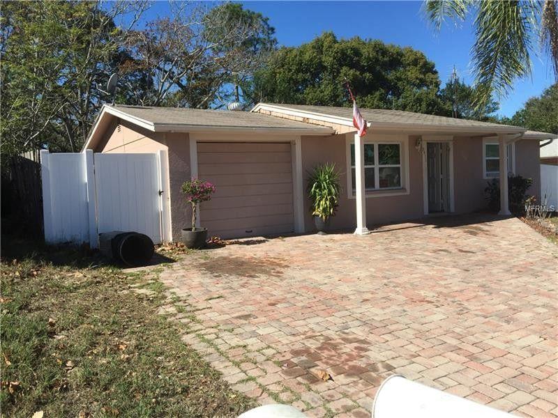 9411 Gray Fox Ln, Port Richey, FL 34668