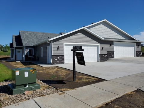 Photo of 606 Nelson Dr, Bismarck, ND 58503