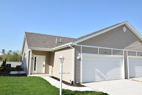 Photo of 108 Summertree Dr, Porter, IN 46304