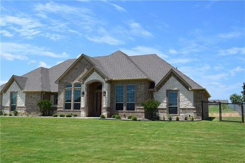 Photo of 122 Esther Ct, Weatherford, TX 76066