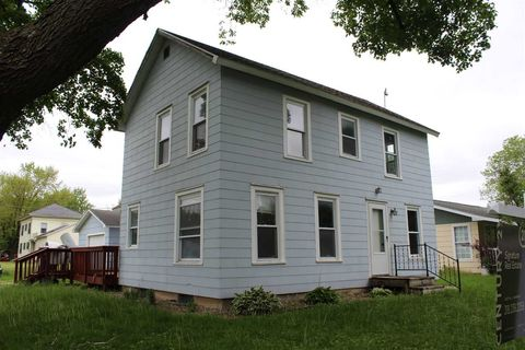 Photo of 420 S Mather St, Clarksville, IA 50619