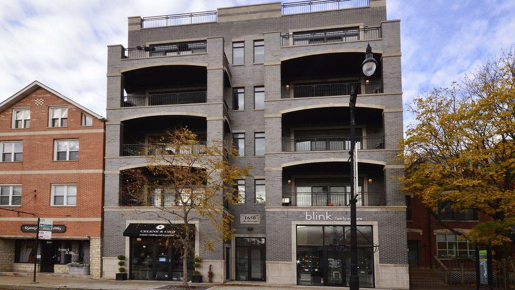 1650 W Belmont Ave Apt 4E Chicago, IL 60657