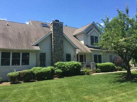 49 Georgetown Ct, Bernards Twp, NJ 07920