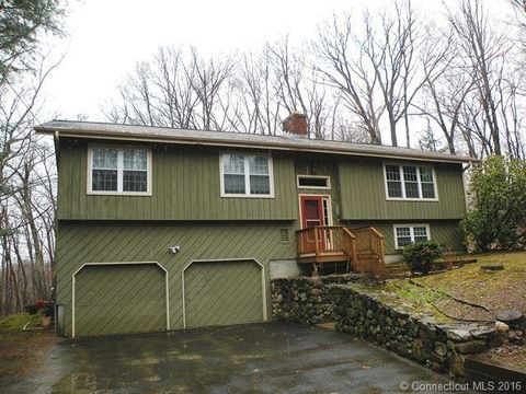 536 Luther Dr, Southbury, CT 06488