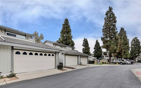 Photo of 1055 Tustin Pines Way, Tustin, CA 92780
