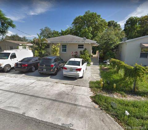 Photo of 2596 Ne 182nd Ter Unit R, North Miami Beach, FL 33160
