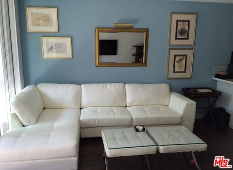 Photo of 1920 Hillcrest Rd Apt 10, Los Angeles, CA 90068