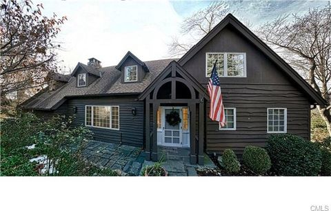 925 Candlewood Lake Rd S, New Milford, CT 06776