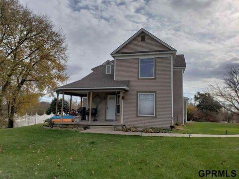 Photo of 510 W Cedar St, Sutton, NE 68979