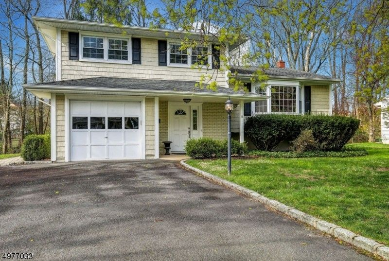 11 Spring Garden Dr Madison, NJ 07940