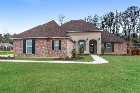 Photo of 255 Saw Grass Loop, Covington, LA 70435