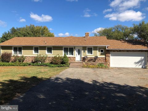 Photo of 602 Long Point Rd, Grasonville, MD 21638