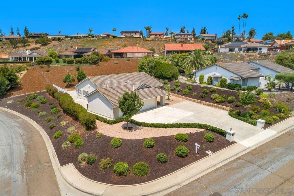 17412 Graciosa Rd San Diego, CA 92128