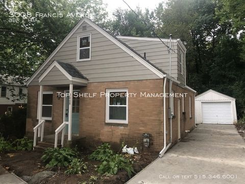 Photo of 3008 Francis Ave, Des Moines, IA 50310