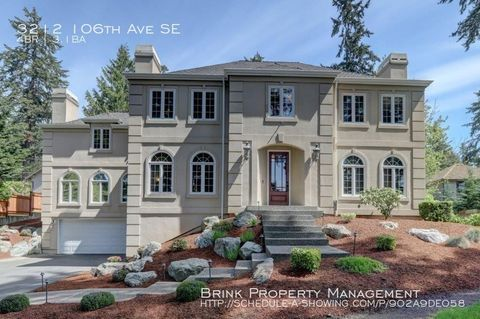 Photo of 3212 106th Ave Se, Bellevue, WA 98004