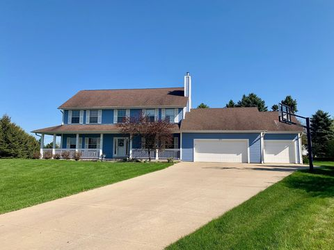 Photo of 12515 W New Haven Ct, New Berlin, WI 53151