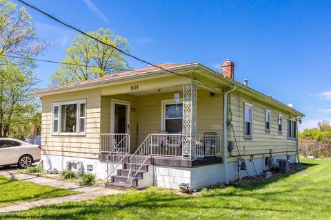 Photo of 1515 W Ashland Ave, Louisville, KY 40215