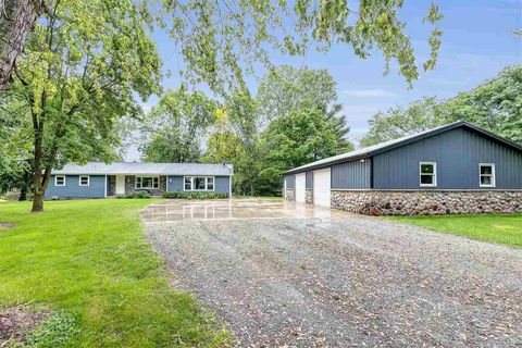 Photo of 684 Silver Creek Dr, Oneida, WI 54155