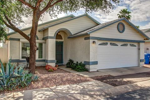 Tremendous 5641 S 42Nd St Phoenix Az 85040 Home Interior And Landscaping Ologienasavecom