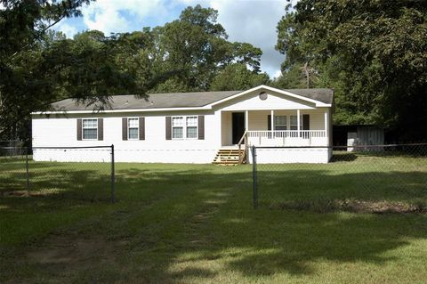 Photo of 136 County Road 4136, Woodville, TX 75979