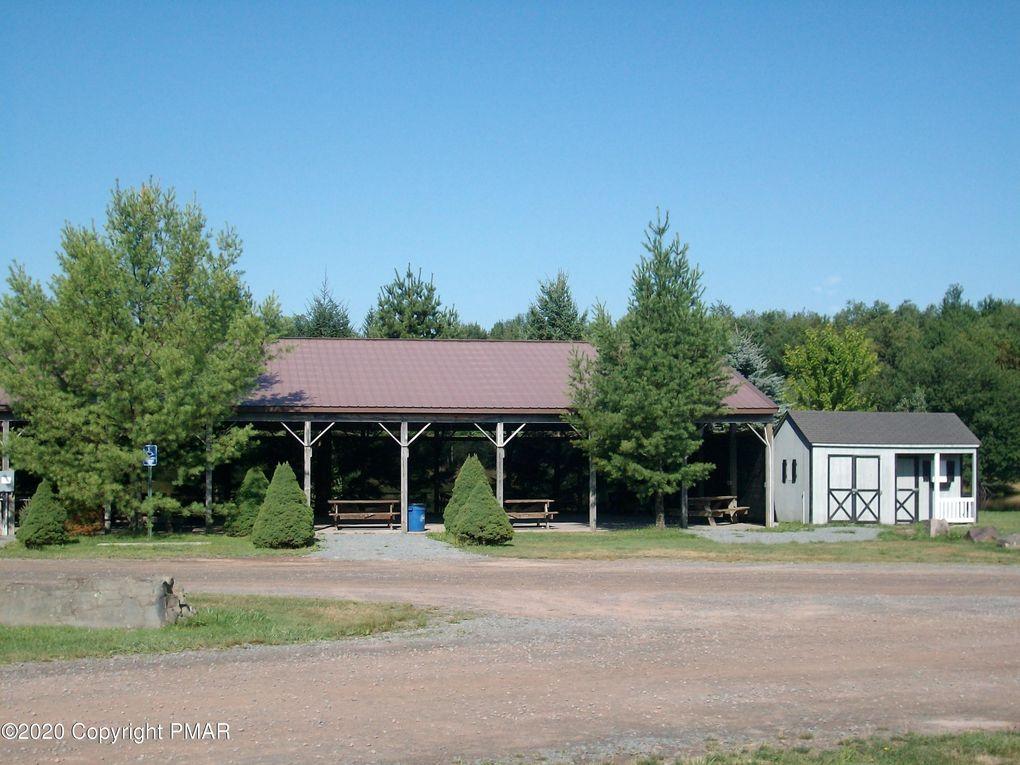 5345 Conoquenissing Dr Pocono Lake, PA 18347