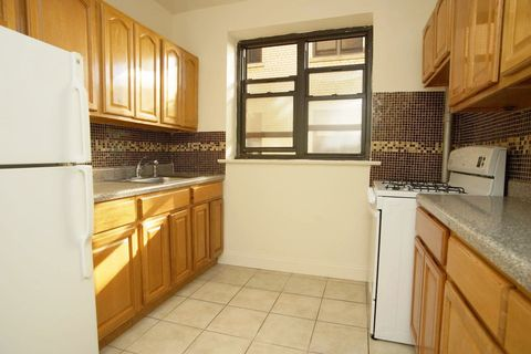 Photo Of 529 E 235th St Apt 2 Bronx Ny 10470