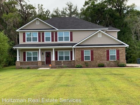 Photo of 831 Forest St, Hinesville, GA 31313