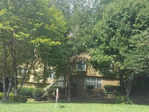 3788 Woodrose Ct, Snellville, GA 30039