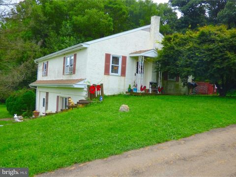 244 Derry Meeting Rd, Cochranville, PA 19330