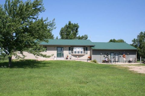 Photo of 25325 405th Ave, Mitchell, SD 57301