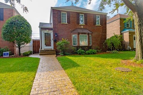 Photo of 7821 W Thorndale Ave, Chicago, IL 60631