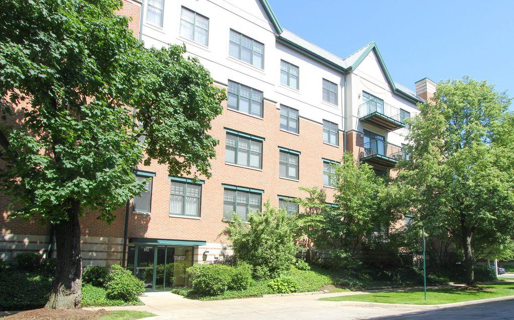 140 N Euclid Ave Apt 508 Oak Park, IL 60302