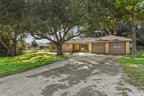 Photo of 1213 Highway 90, Sealy, TX 77474