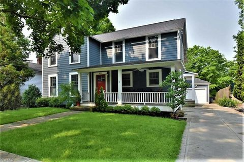 Photo of 100 Church St, Chagrin Falls, OH 44022