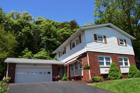 Photo of 6 Kent Rd, Bloomsburg, PA 17815