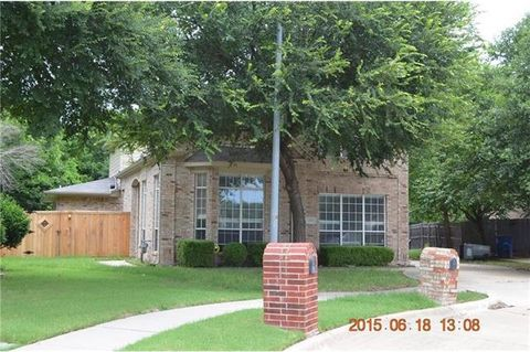 Photo of 300 Bardwell Dr, Allen, TX 75002