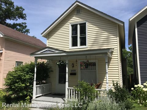 Enjoyable Old Towne Traverse City Mi Apartments For Rent Realtor Com Home Interior And Landscaping Ologienasavecom