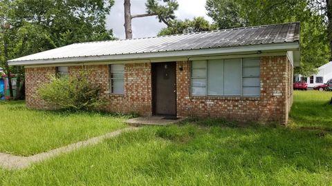 Photo of 402 Bacon St Apt 3, Madisonville, TX 77864
