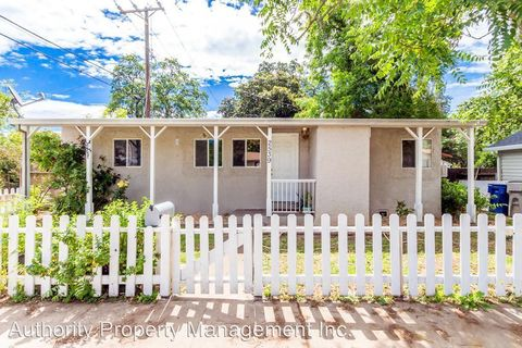 Photo of 2539 Lanning Ave, Redding, CA 96001