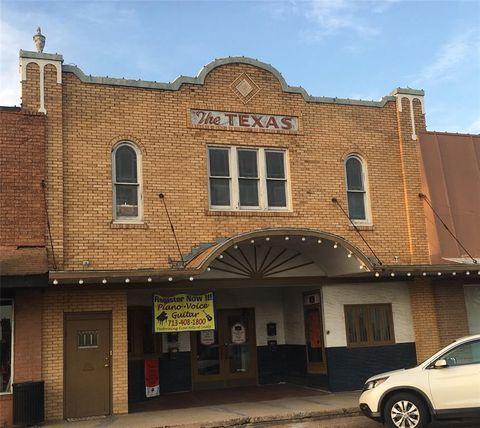Photo of 223 Main St, Sealy, TX 77474