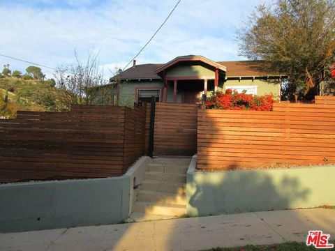 Photo of 1947 Wollam St, Los Angeles, CA 90065