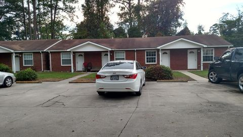 Photo of 129 Roland St, Hinesville, GA 31313