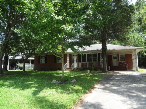 4261 Montague Ave, Ayden, NC 28513