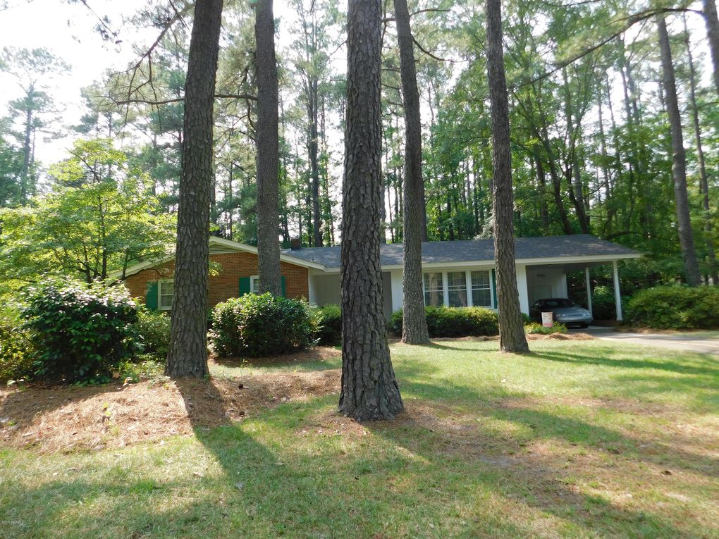 407 Forest Rd Laurinburg, NC 28352
