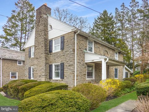 Photo of 210 Runnymede Ave, Jenkintown, PA 19046