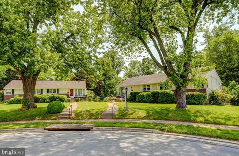 Photo of 403 Allview Ct, Baltimore, MD 21228